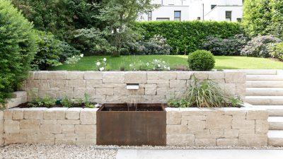 NHI Natursteinhandel liefert Natursteine für Mauern und Treppen