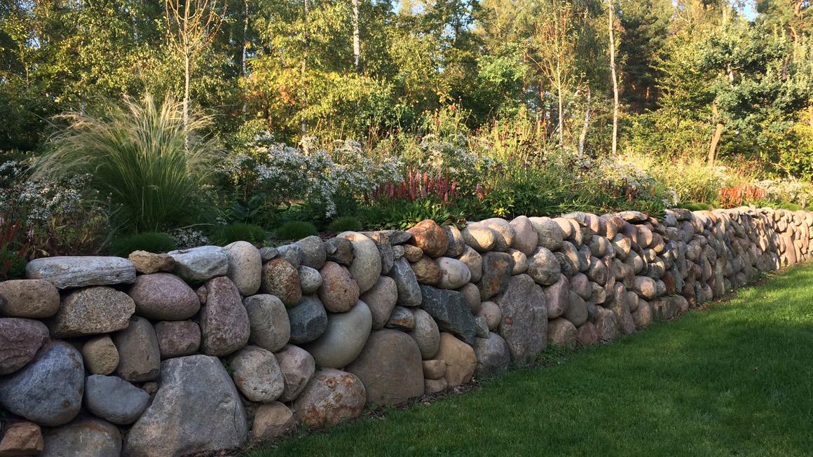 Steinmauer von Sven Pschichhold
